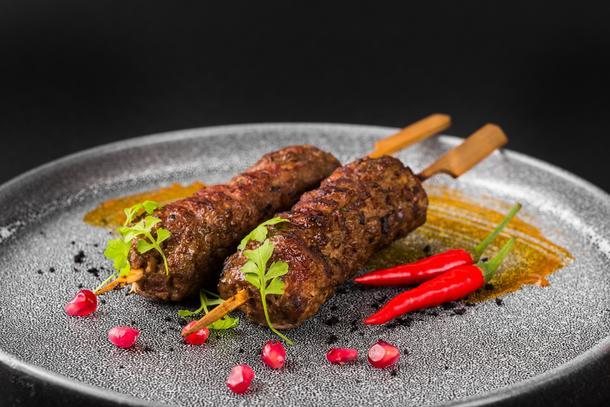 Люля- кебаб из говядины с картофельным пюре